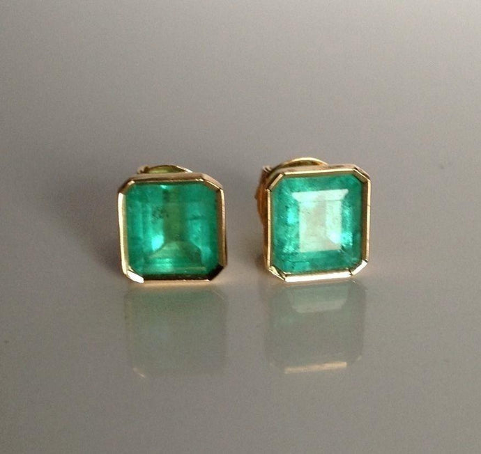 3.50ct Natural Bright Green Colombian Emerald Stud Earrings 18k Gold