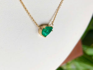 Pear Shape Colombian Emerald Solitaire Pendant Drop Necklace in 18K