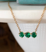 Load image into Gallery viewer, Three-Stone Round Colombian Emerald Gold Chain Pendant Necklace