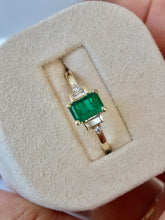 Load image into Gallery viewer, Rectangular Cut Emerald and Diamond Ring Gold
