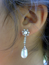 Load image into Gallery viewer, Retro 1940s Natural South Sea Pearl Diamond Drop Earrings Ear Clips 14K Gold
