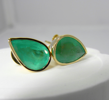 Load image into Gallery viewer, 8.48ct Huge Natural Colombian Emerald Stud Earrings 18k Gold ~ 15.00x10.50mm