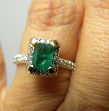 Load image into Gallery viewer, Natural Colombian Emerald Diamond Ring 14k Yellow Gold