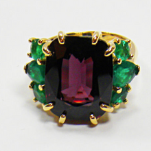 Load image into Gallery viewer, 22.03 Carat Certified Untreated Fine Spinel Colombian Emerald Ring 18K