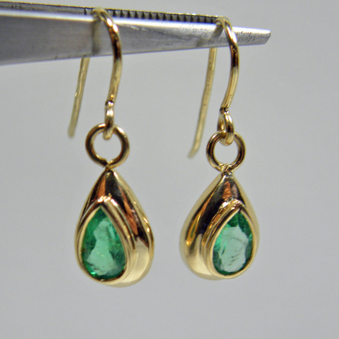 1.40ct Estate Natural 100% Colombian Emerald Dangle Earrings 18k Gold