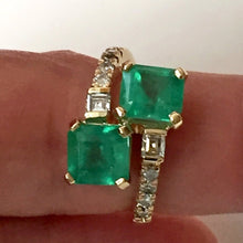 Load image into Gallery viewer, 4.10 Carats Bypass Ring with Natural Fine Colombian Emerald & Diamond 18K Gold