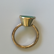 Load image into Gallery viewer, Rare Hammered Yellow Gold Emerald Ring BIG 4.80ct Oval Natural Colombian Emerald