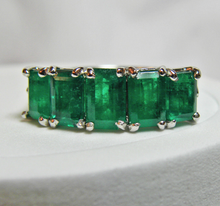 Load image into Gallery viewer, 2.95ct Platinum Estate Gorgeous Natural AAA+ Color Colombian Emerald Band Ring