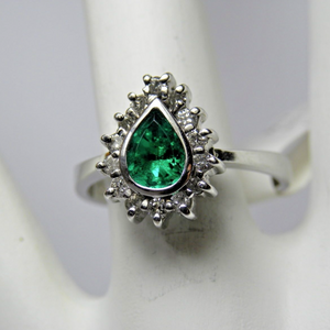 Colombian Emerald & Diamond Cocktail Ring 18K White Gold