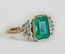 Load image into Gallery viewer, 5.70ct Fine Natural Colombian Emerald Diamond Engagement Ring 18K Gold
