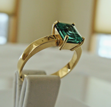 Load image into Gallery viewer, Colombian Emerald Solitaire Engagement Ring 18K Gold 100% Natural