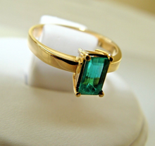 Load image into Gallery viewer, 0.60CT Natural Colombian Emerald Solitaire Ring 18 Yellow Gold