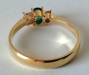 Natural Round Cut Emerald & Diamond Engagement Ring 18K Gold