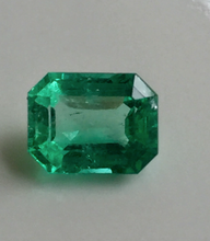 Load image into Gallery viewer, Loose 1.40ct Fine Green 100% Natural Colombian Emerald Emerald Cut