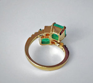 4.10 Carats Bypass Ring with Natural Fine Colombian Emerald & Diamond 18K Gold