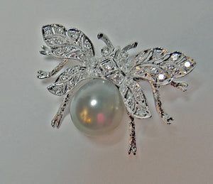 White South Sea Pearl Diamond White Gold Bumble Bee Brooch Pin Broche 18K