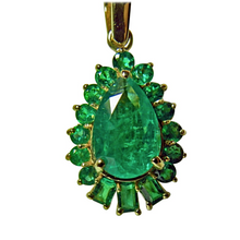 Load image into Gallery viewer, 5.20ct AAA Color Natural Colombian Emerald Solitaire Pendant 18k Gold