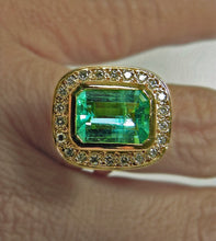 Load image into Gallery viewer, 4.40 Carat Emerald Cut Colombian Emerald Diamond Ring 18k