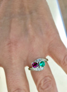 1920s Antique Art Deco Emerald Ruby Diamond Platinum Ring