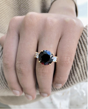 Load image into Gallery viewer, 10.73 Carat Natural Spinel Diamond Ring 18 Karat