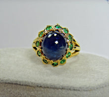Load image into Gallery viewer, 9.00 Carat Cabochon Cut Blue Sapphire Emerald Ring 18k