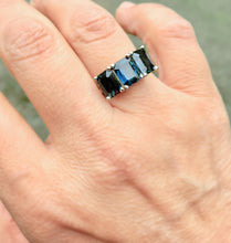 Load image into Gallery viewer, 5.50ct Estate Natural Blue Sapphire Three Stone Ring 14K White Gold