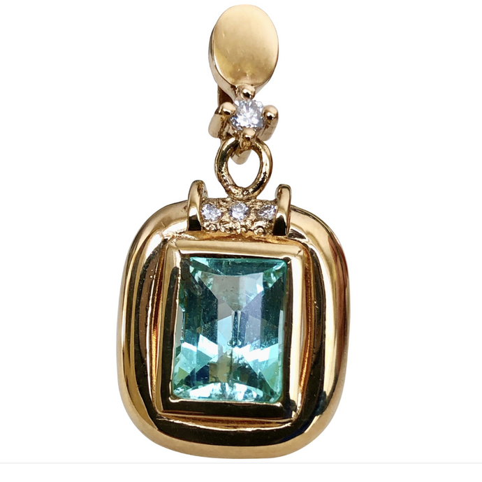 3.12ct Natural Colombian Emerald Diamond Pendant 18k