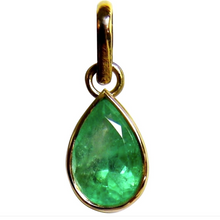 Load image into Gallery viewer, 2.51 Carat Natural Colombian Emerald Solitaire Drop Pendant 18k Gold
