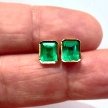Load image into Gallery viewer, 2.20ct Natural Gorgeous AAA+ Colombian Emerald Stud Earrings 18k Yellow Gold