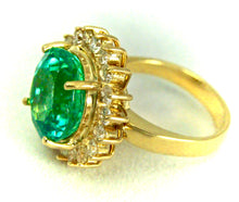 Load image into Gallery viewer, 9.65ct Fine Natural Round Colombian Emerald Diamond Ring 18K
