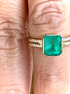 2.40 Carat Vintage Natural Emerald Solitaire Gold Ring