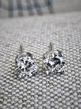 Load image into Gallery viewer, Diamond Platinum Stud Earrings 0.75ct F-VS2