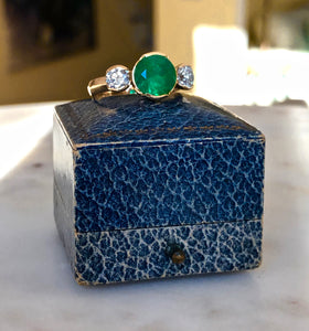 Fine Round Colombian Emerald Diamond Engagement Three Stone Ring 18k