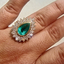 Load image into Gallery viewer, 8.00ct Colombian Natural Emerald Diamonds Cocktail Ring 18K Gold