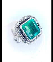 Load image into Gallery viewer, 15 Carat Art Deco Fine Colombian Emerald Diamond Ring 18K