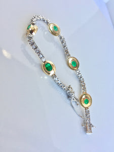 6.50 Carat Estate Emerald Diamond Bracelet Gold