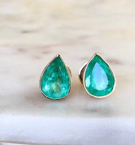 6.00 Carat Pear Cut Colombian Emerald Stud Earrings 18K Gold