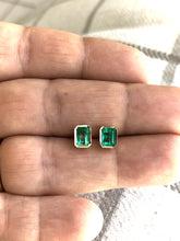 Load image into Gallery viewer, 1.40 Carat Colombian Emerald Stud Earrings 18k Yellow Gold