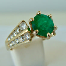 Load image into Gallery viewer, 2.50 Carats Natural Round Colombian Emerald Solitaire Ring Diamond Accents 14K