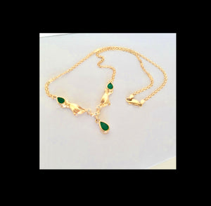 Lady Hands Emerald and Diamond Necklace 18K Gold