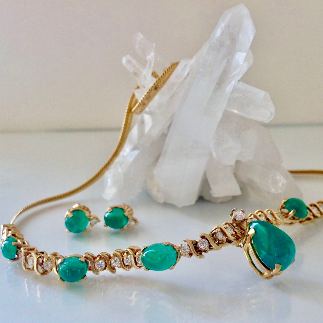 Suite Colombian Emerald Diamond Necklace and Earrings