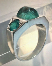 Load image into Gallery viewer, Antique 5.00 Carat Natural Emerald Solid Platinum Ring