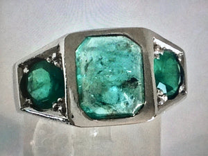 Antique 5.00 Carat Natural Emerald Solid Platinum Ring