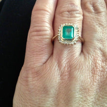 Load image into Gallery viewer, Classic Emerald Diamond Ring 18K Gold