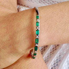Load image into Gallery viewer, 3.32 Colombian Emerald & Diamond Bangle Bracelet 18K White Gold