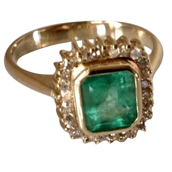 Classic Emerald Diamond Ring 18K Gold