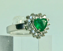 Load image into Gallery viewer, Heart shape Colombian Emerald Diamond Ring Solid 18K
