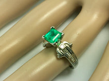 Load image into Gallery viewer, Estate Platinum Natural Colombian Emerald & Diamonds Solitaire Ring