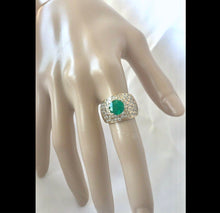 Load image into Gallery viewer, Vintage 4.10 Carat Natural Colombian Emerald Diamond Ring