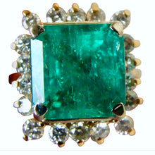 Load image into Gallery viewer, 7.60 Carat Natural Colombian Emerald & Diamond Ring